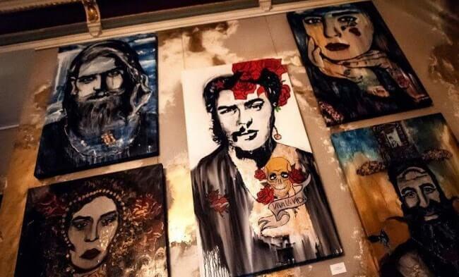 coya dubai detalle de pinturas en pared