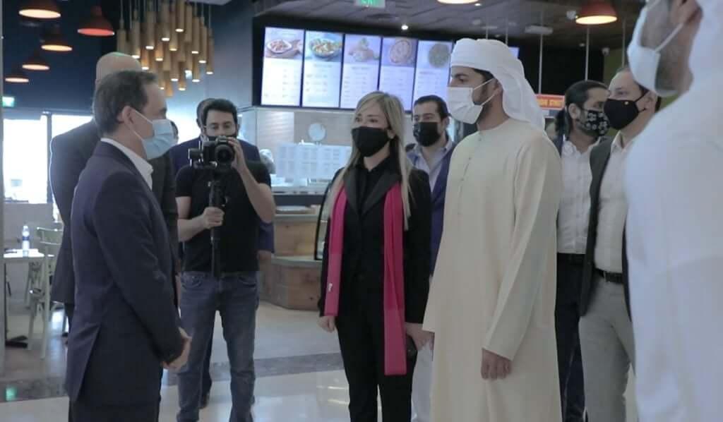 inauguración exposición ajman embajador panama Hanan Al Hashem