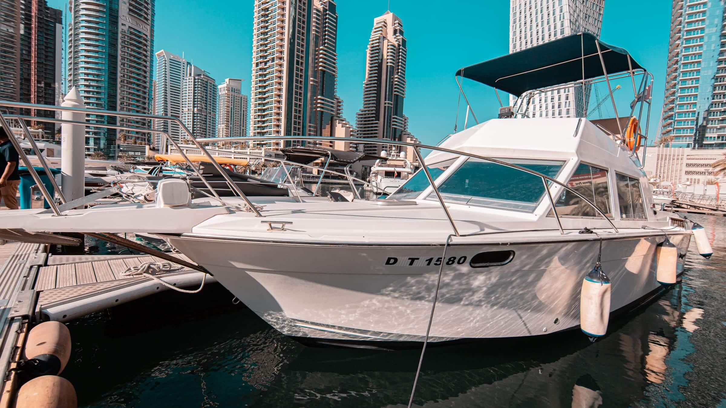 fiesta emiratos barco yate