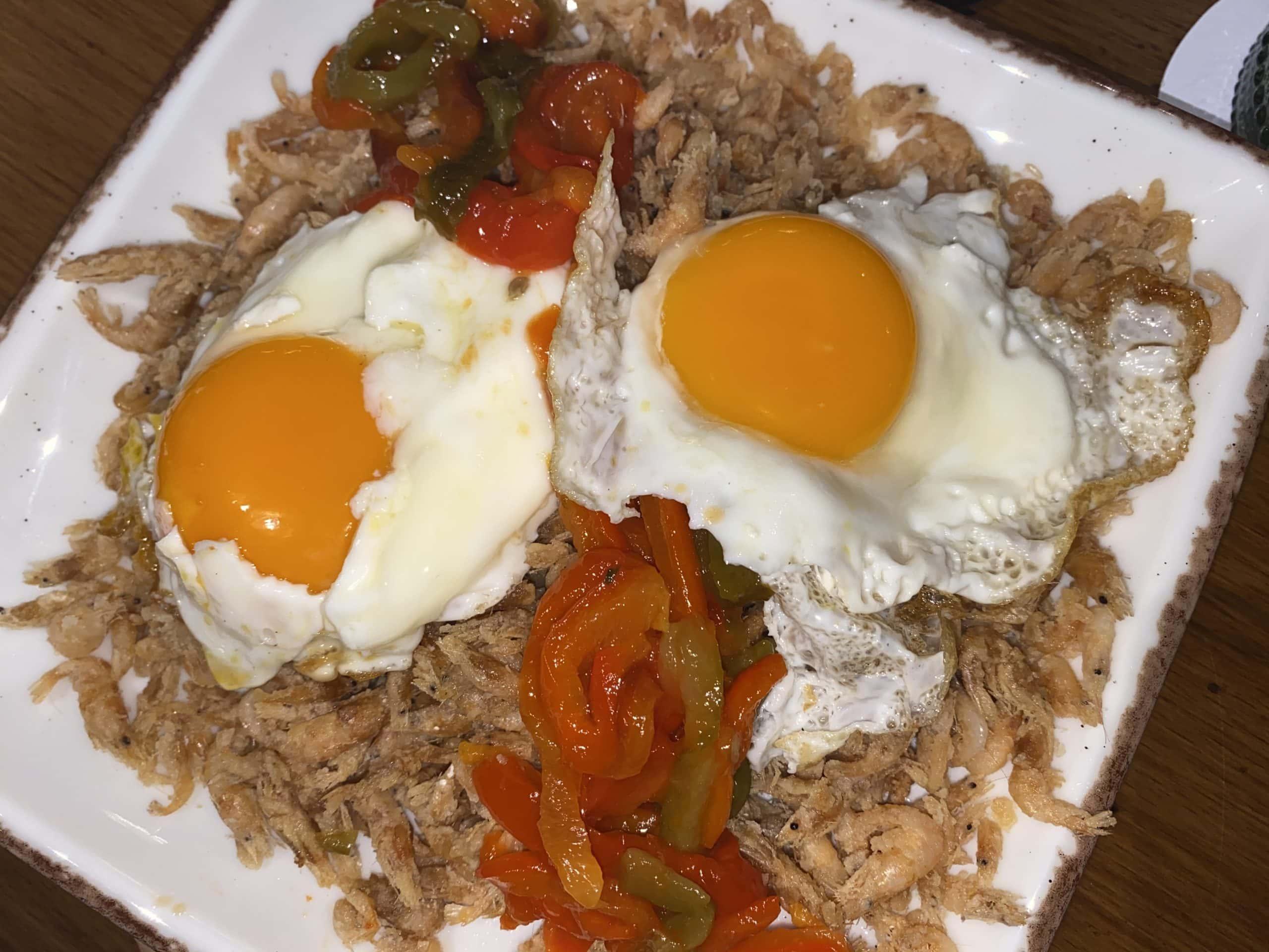 huevos rotos dubai restaurante menu