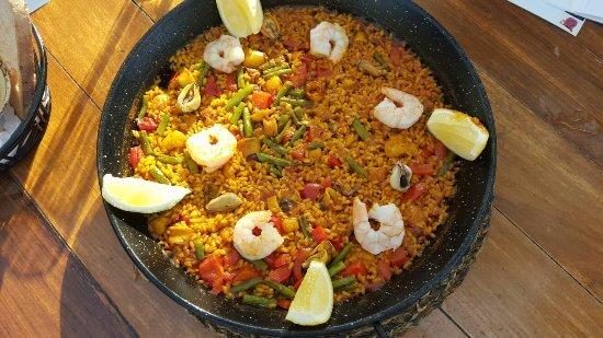 paella valenciana sevilles dubai